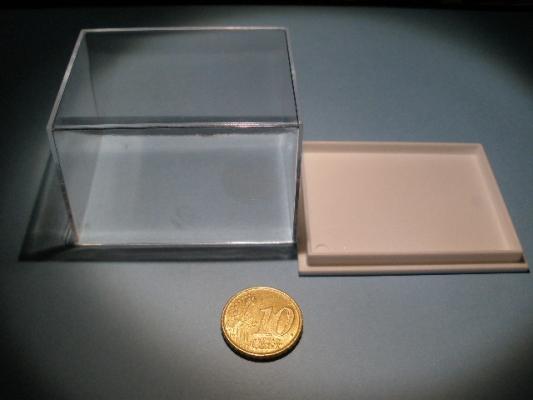 Urna de 6x4,5 cm.