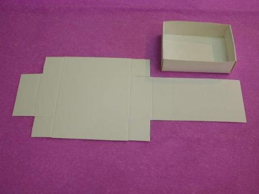 100 cajitas plegables de 5x7 cm.